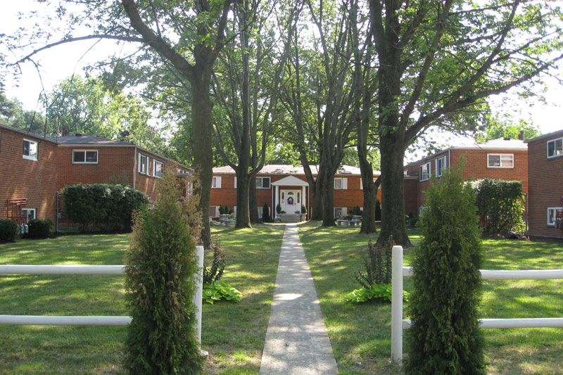 University Gardens Apartment Rentals Close To Ohio State University We Are One Of The Best Values In Off Campus Housing Ohio State Apartments Student Rentals Apartments Near Ohio State Campus University